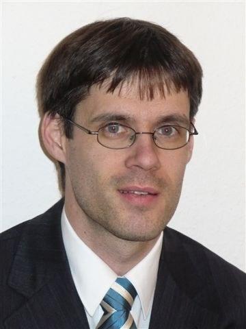 Dr. Clauß